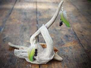 Boucles d'Oreilles, Plumes jaune et perles de verre
